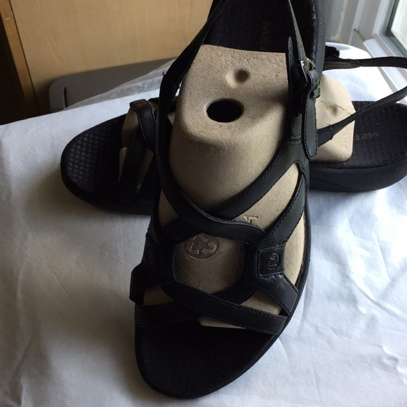Merrell Shoes - Beautiful women's Merrell  Black leather sandals